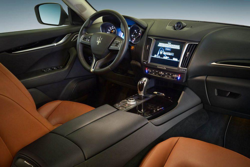 Maserati Interieur Armaturenbrett