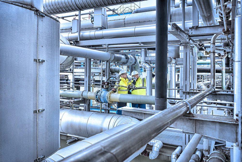 Sicherheitscheck von 2 Mitarbeitern im Chemiepark Gendorf