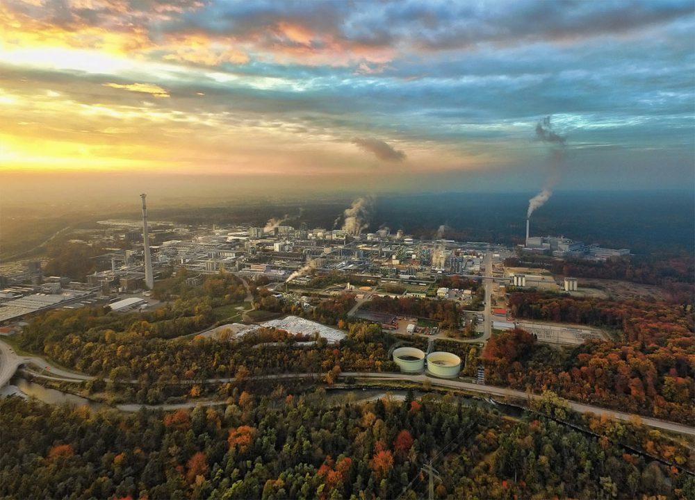 Luftbild Abendaufnahme Chemiepark Gendorf